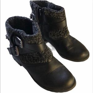 G by Guess fuzzy leather ankle boots booties 7.5
